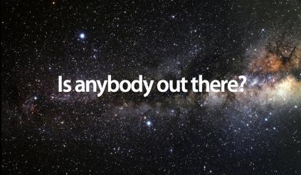 hay alguien