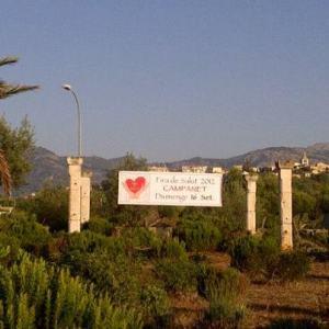Entrada del pueblo Fira